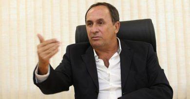 Aliados condicionam apoio a Neto à saída do MDB da chapa