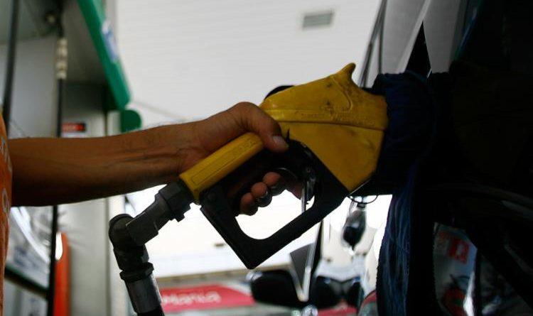 Postos de combustíveis sofrem desabastecimento em Salvador