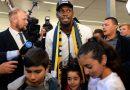 Bolt diz que conversa com Pelé foi decisiva para virar jogador