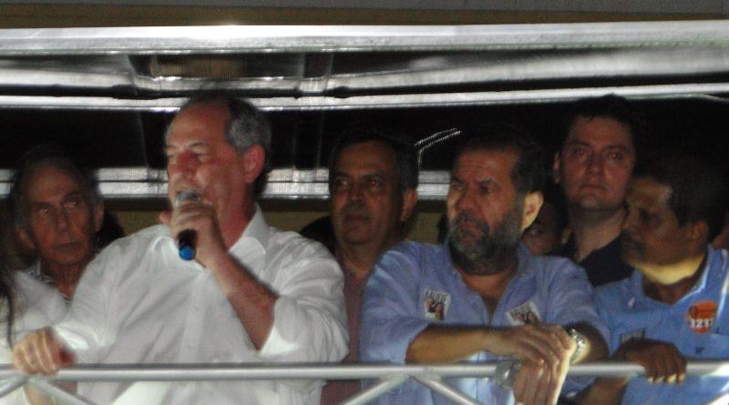 Em Salvador, Ciro critica os dois candidatos que lideram corrida ao Planalto