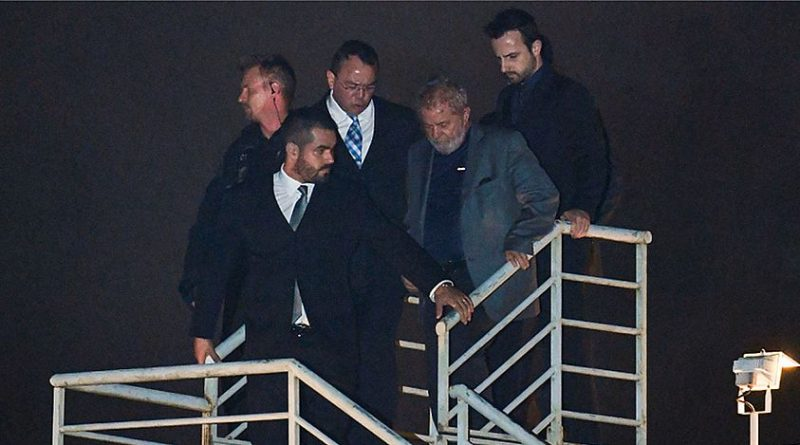 Em seis meses, Lula recebe 572 visitas na sede da Polícia Federal