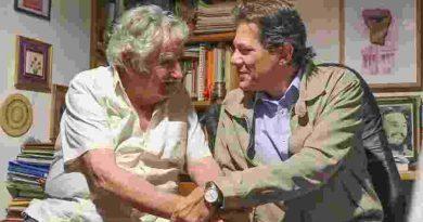 Haddad se encontra com Mujica em Montevidéu