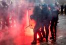 França: Ministro do Interior contabiliza 135 feridos em protestos de Paris