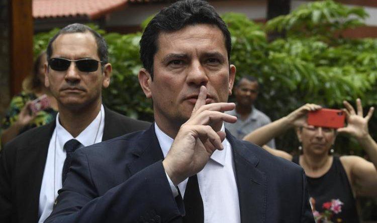 Falta de explicação 'plausível' de Flávio incomoda militares e equipe de Moro