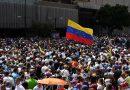 Guaidó mobiliza parte dos militares, mas Maduro sufoca protestos e resiste