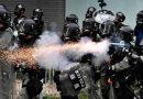 Hong Kong: Manifestantes enfrentam polícia contra violência e governo