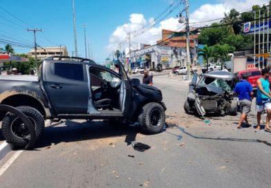Acidente entre quatro veículos deixa morto e feridos em Lauro de Freitas
